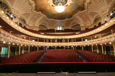 hlediště Hudebního divadla Karlín